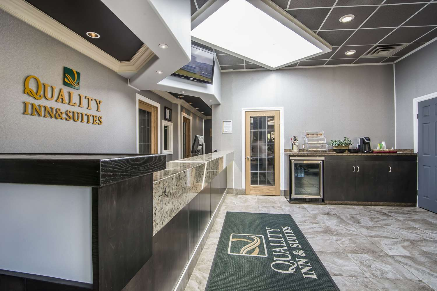 Lobby - Quality Inn & Suites High Level
