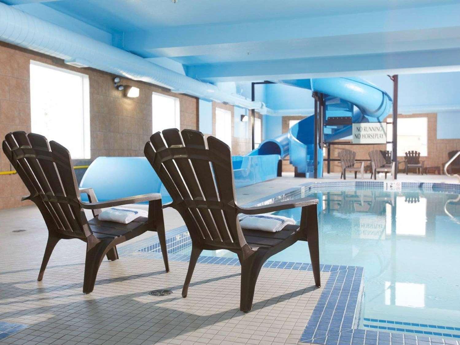 Pool - Comfort Inn & Suites Virden