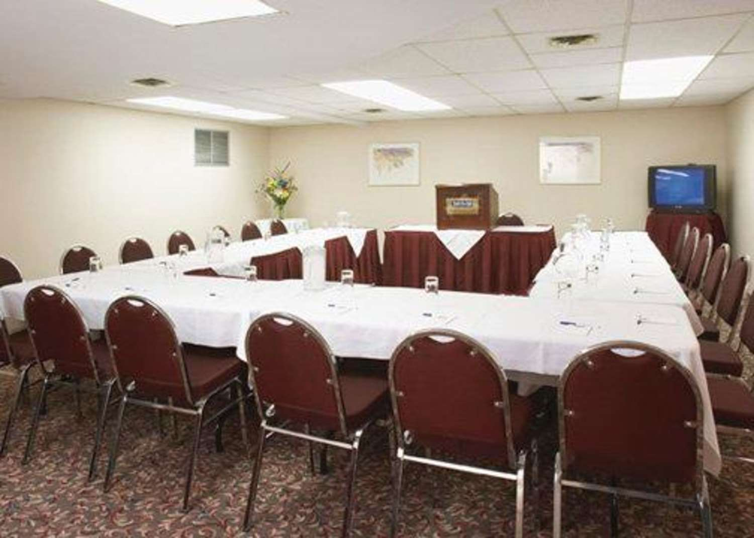 Meeting Facilities - Quality Inn & Suites Montreal Airport Dorval