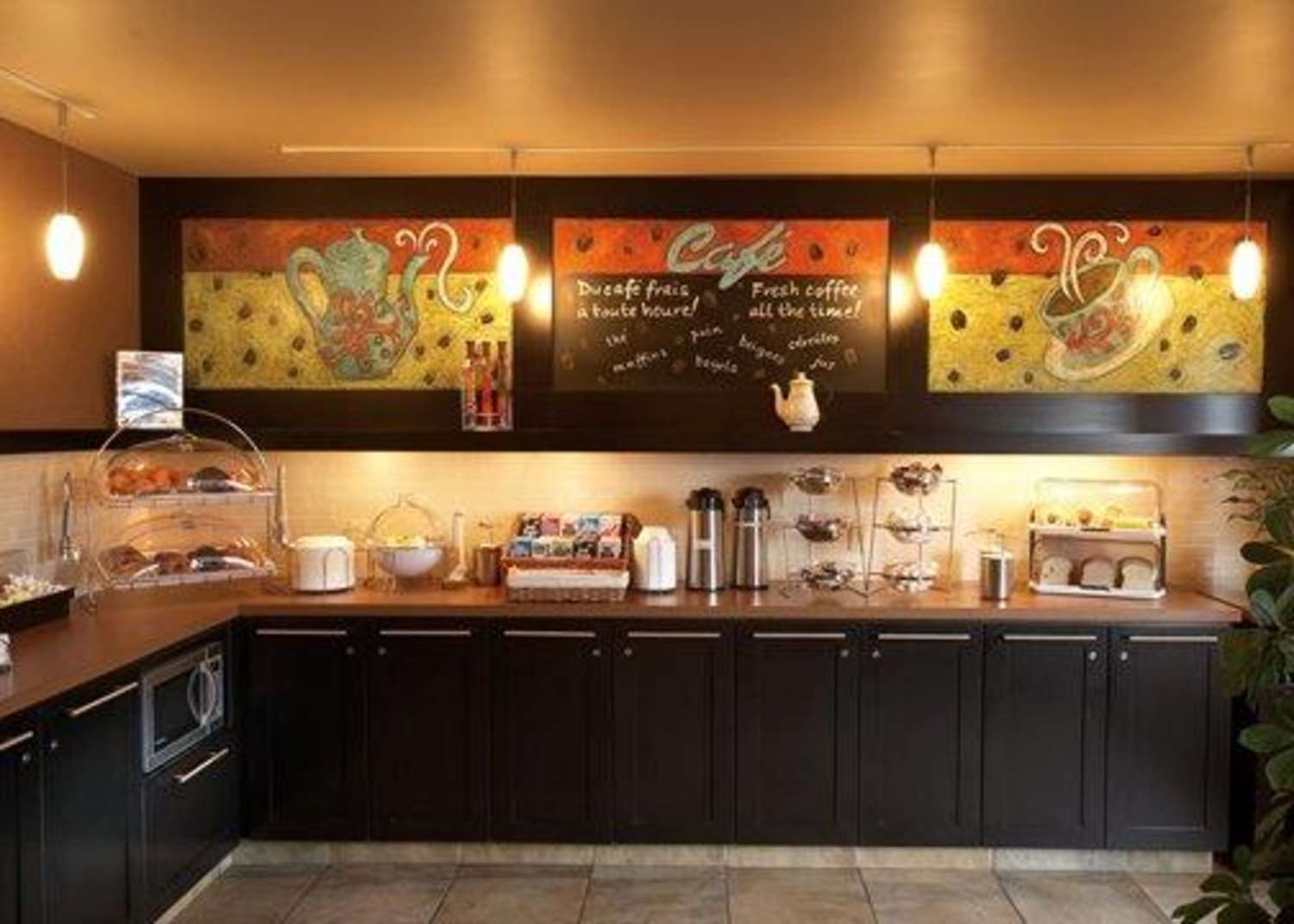 Restaurant - Quality Inn & Suites Montreal Airport Dorval