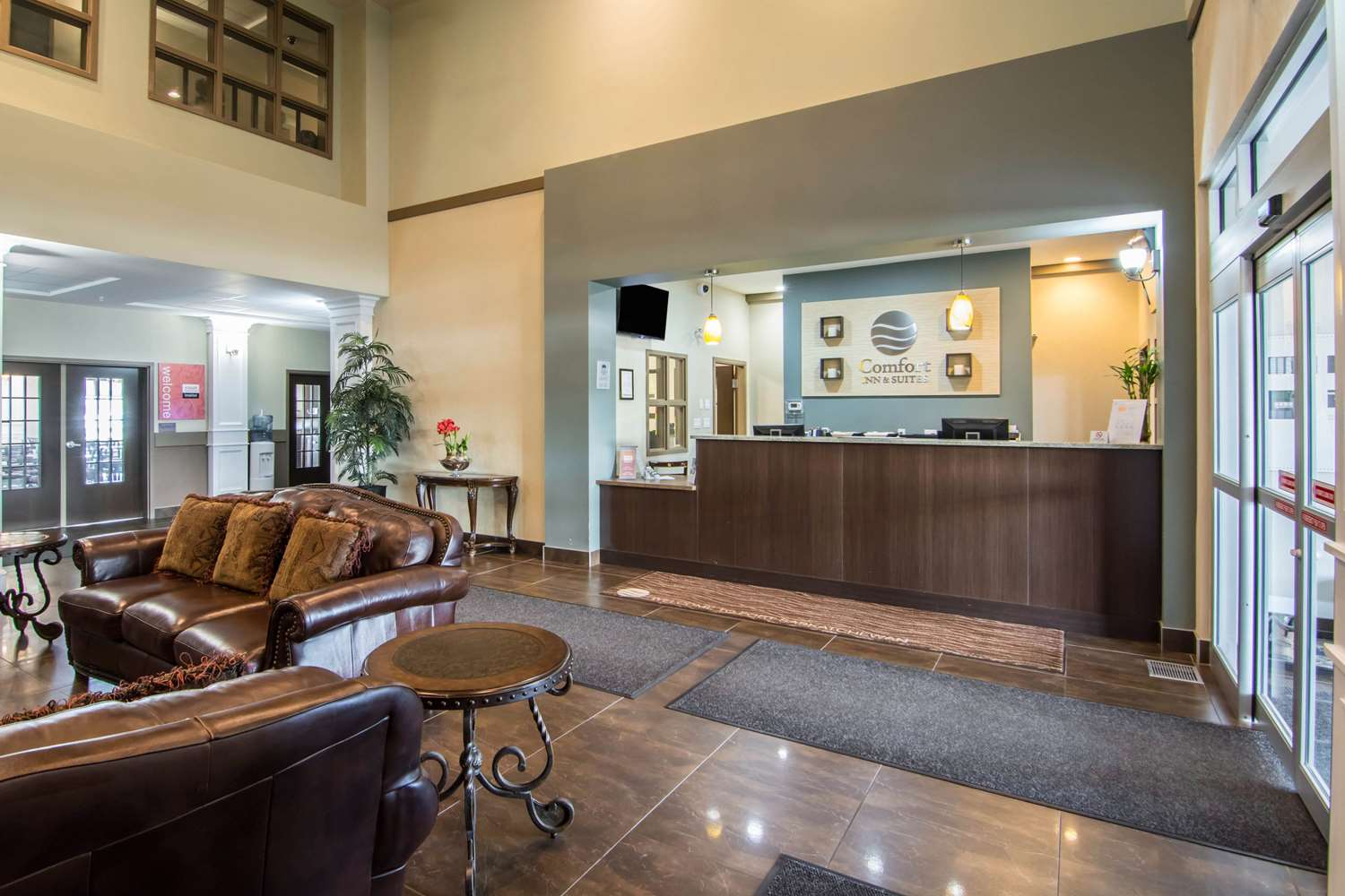 Lobby - Comfort Inn & Suites Fort Saskatchewan