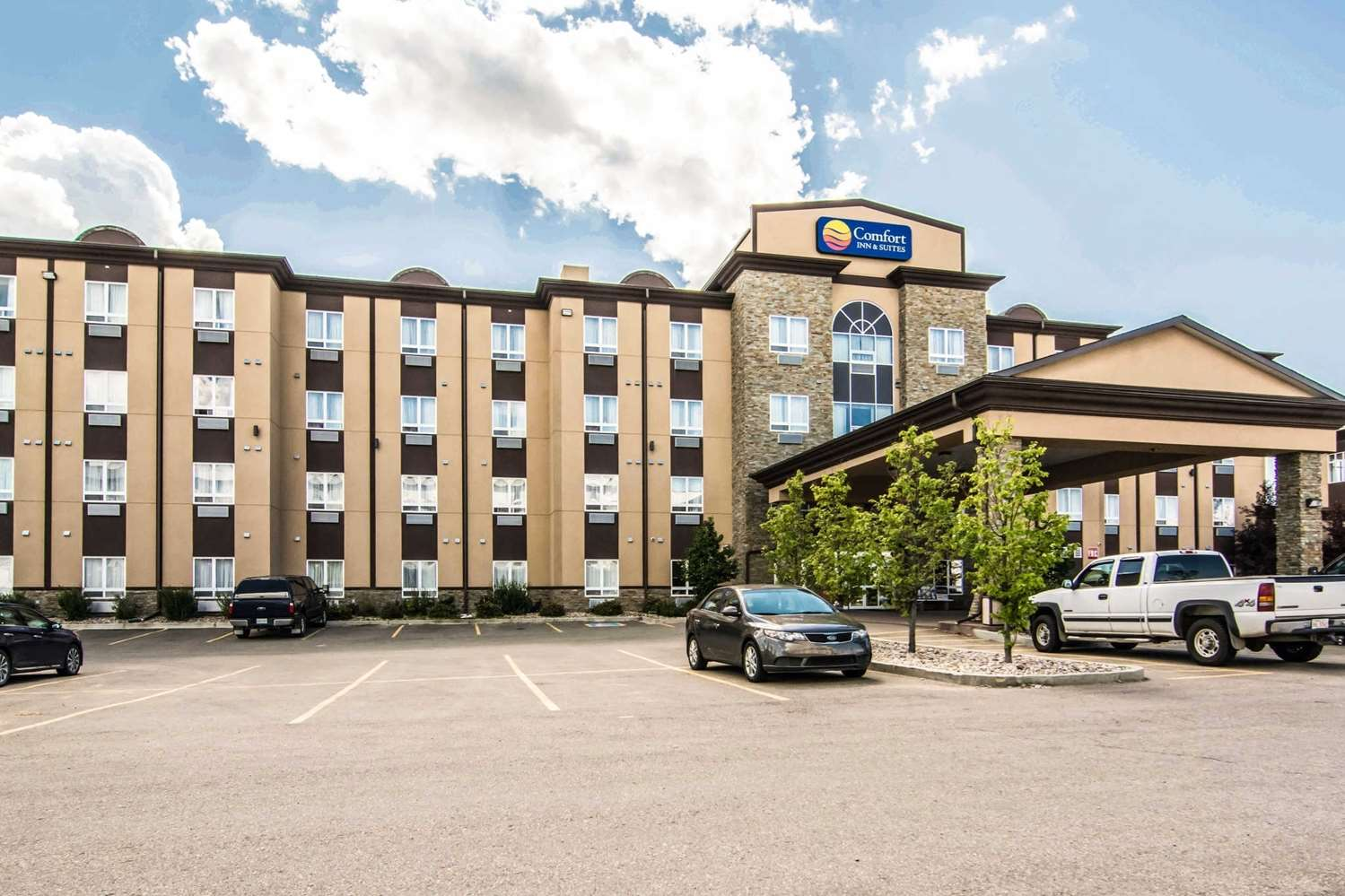 Exterior view - Comfort Inn & Suites Fort Saskatchewan