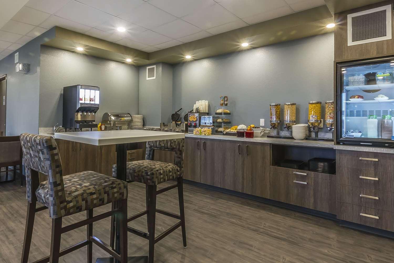 Restaurant - Quality Inn & Suites Moose Jaw