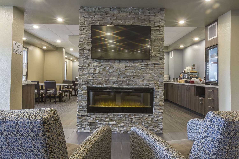 Lobby - Quality Inn & Suites Moose Jaw