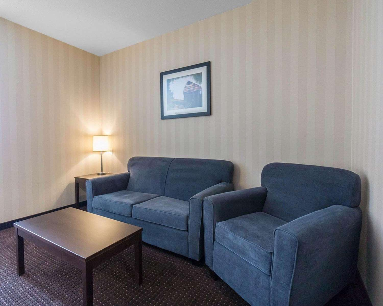 Room - Comfort Inn & Suites Fox Creek