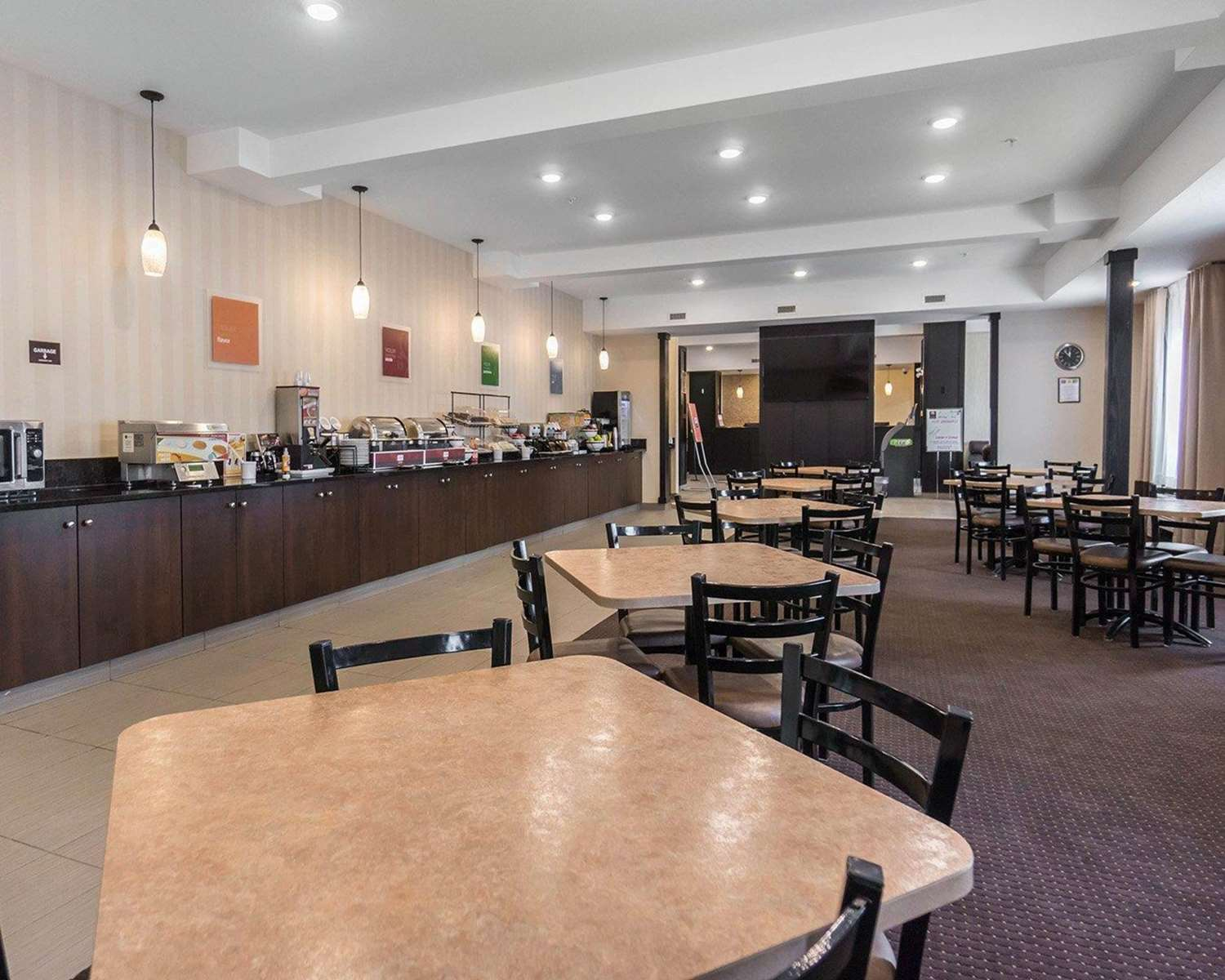 Restaurant - Comfort Inn & Suites Fox Creek