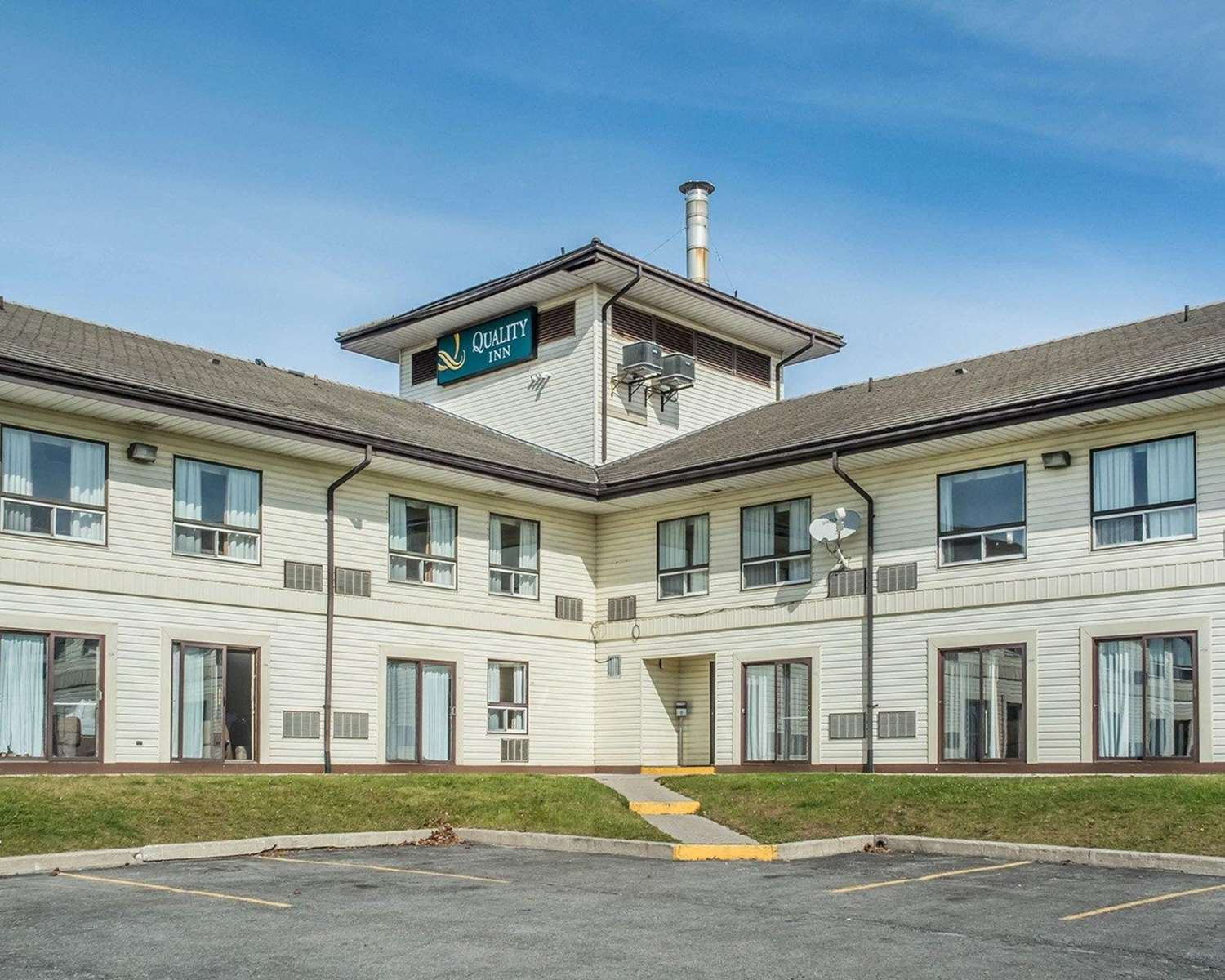 Exterior view - Quality Inn Barrie