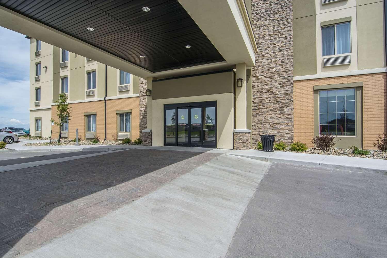 Exterior view - Comfort Suites Regina
