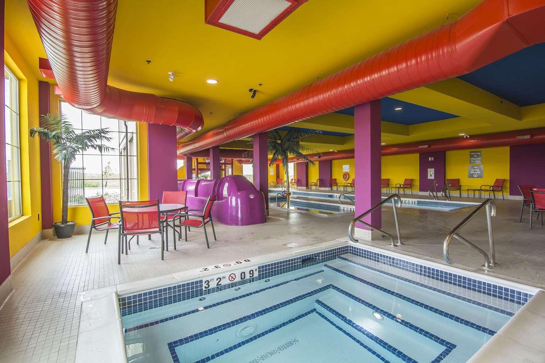 Pool - Comfort Suites Regina
