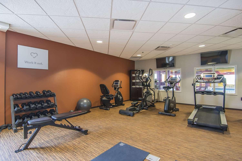 Fitness/ Exercise Room - Comfort Suites Regina