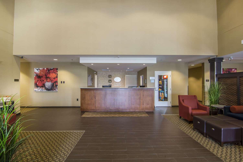 Lobby - Comfort Suites Regina