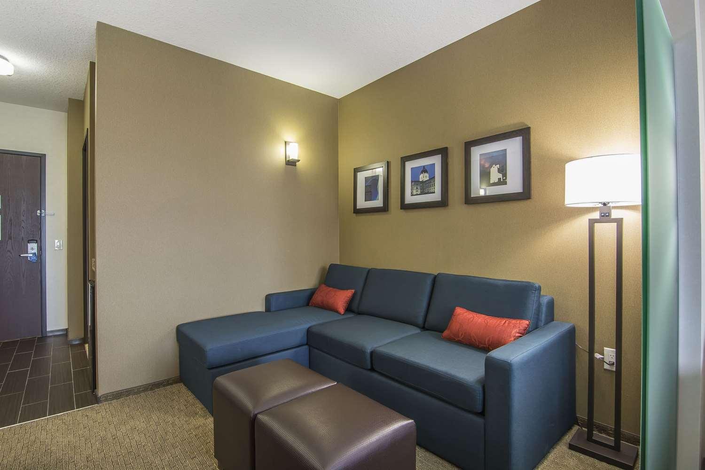 Room - Comfort Suites Regina