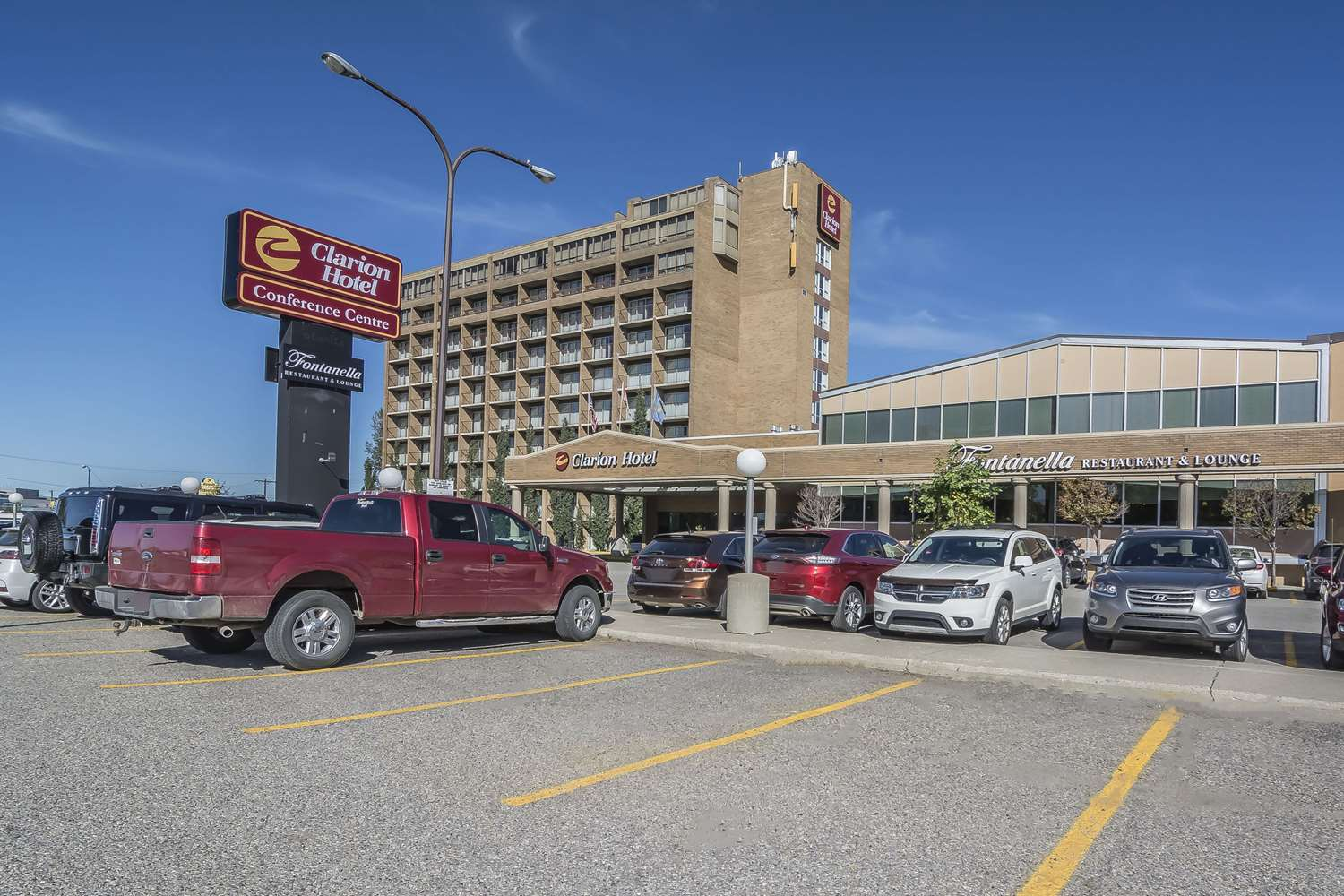 Exterior view - Clarion Hotel & Conference Center Calgary