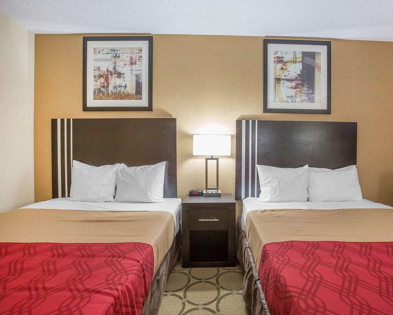 Room - Econo Lodge Taber