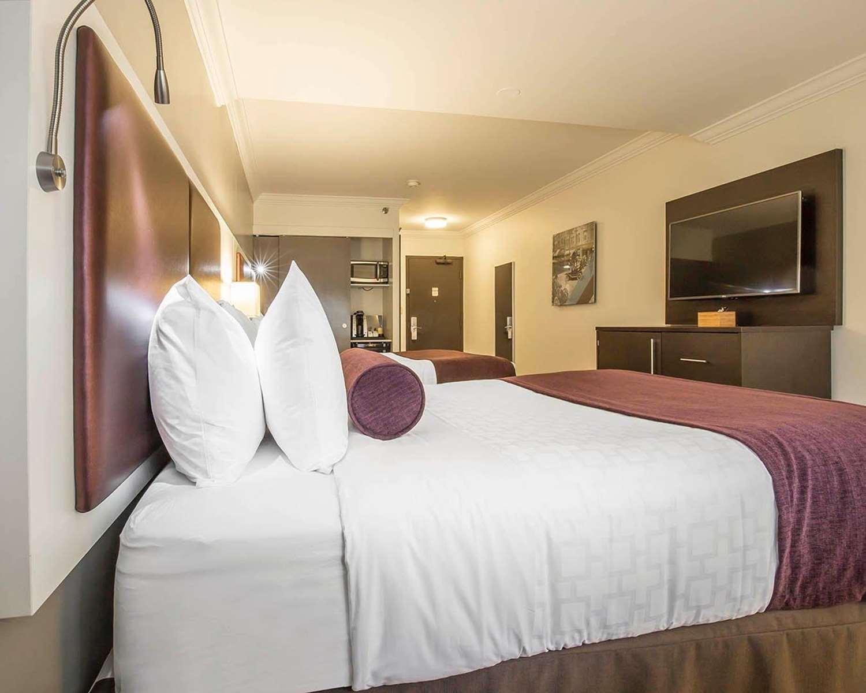 Room - Saint James Hotel Toronto