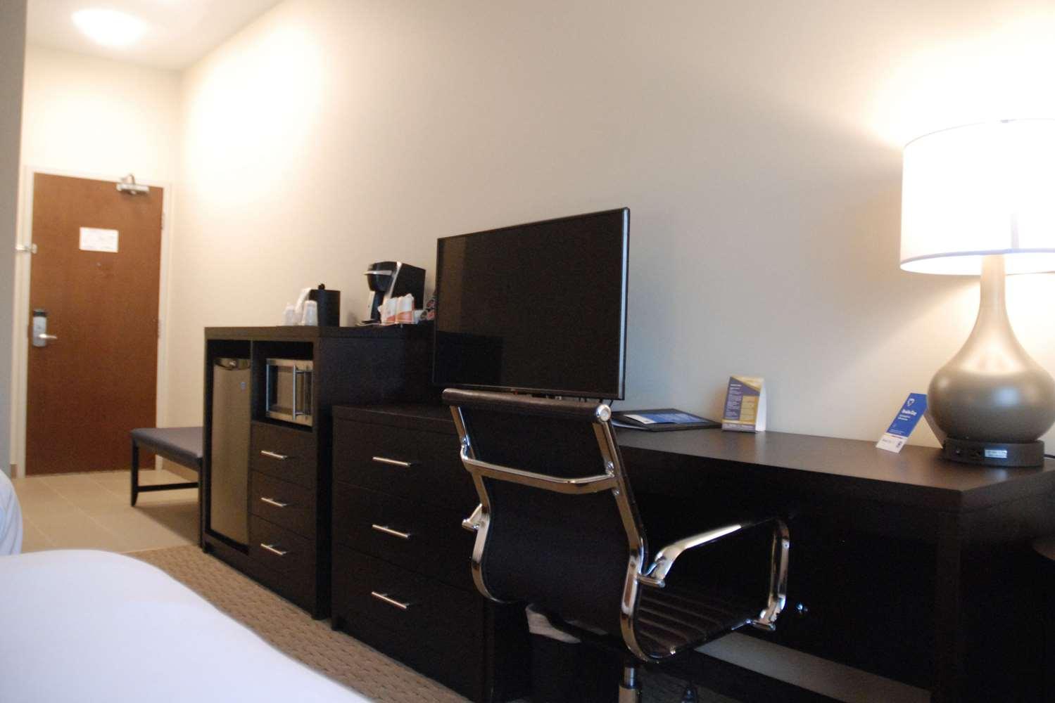 Room - Comfort Inn & Suites Terrace