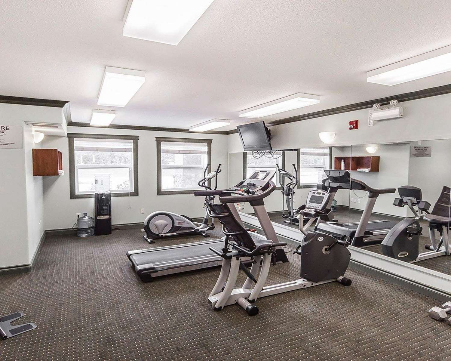 Fitness/ Exercise Room - Quality Inn & Suites Hinton