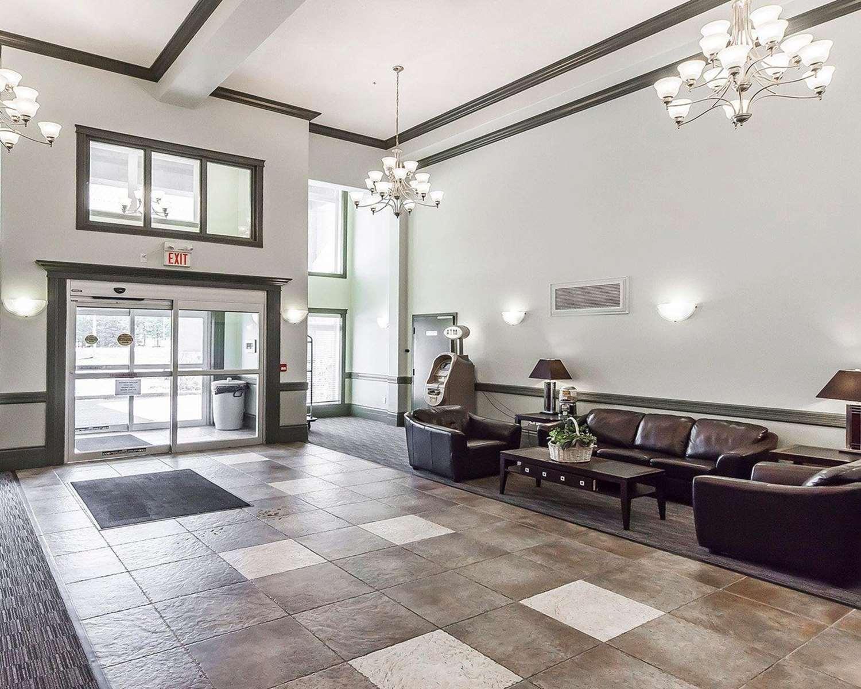 Lobby - Quality Inn & Suites Hinton