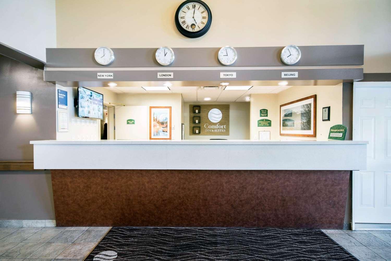 Lobby - Comfort Inn & Suites Langley
