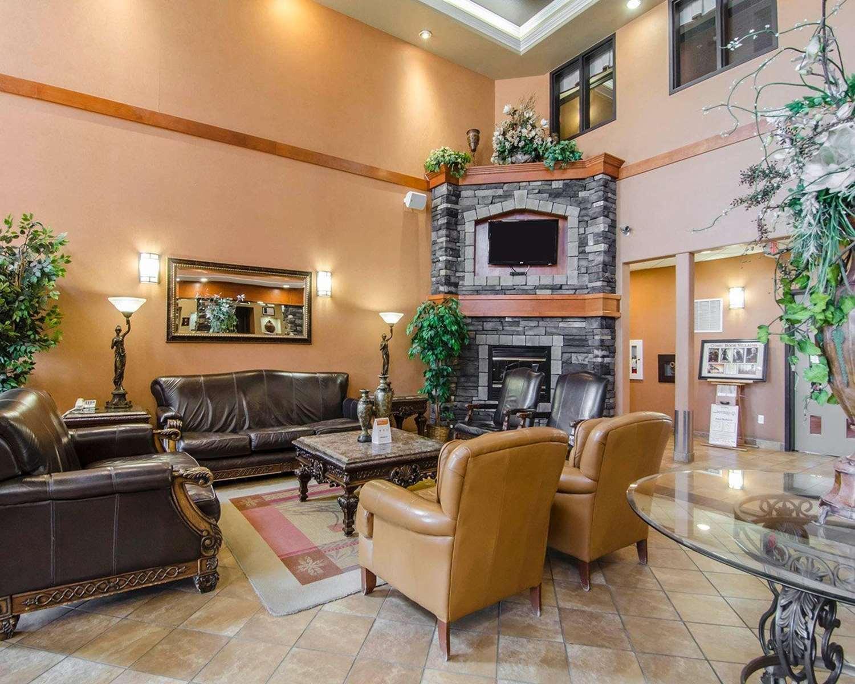 Lobby - Quality Inn & Suites Grande Prairie