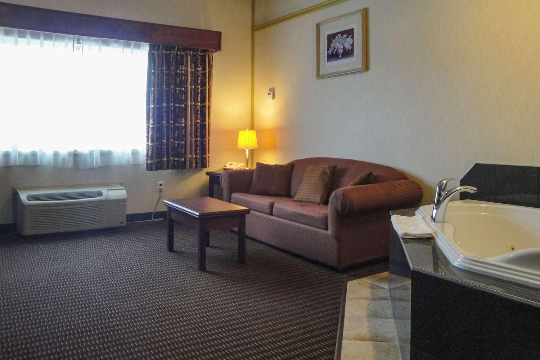 Room - Quality Inn & Suites Westlock