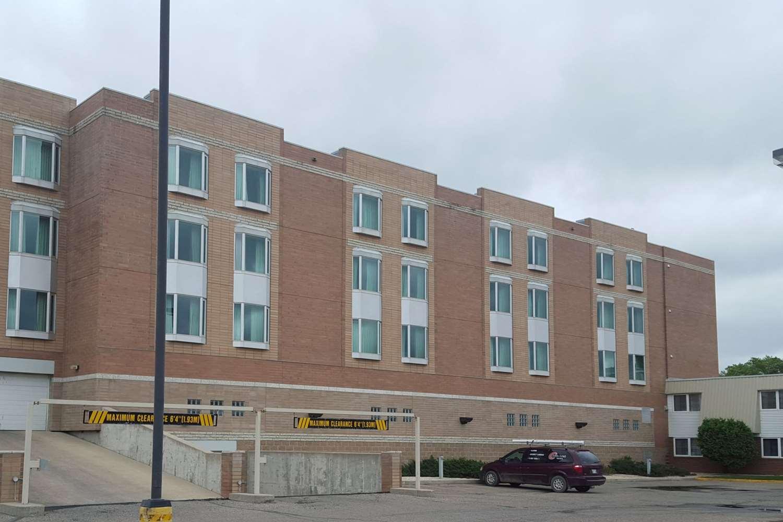 Exterior view - Clarion Hotel & Suites Brandon