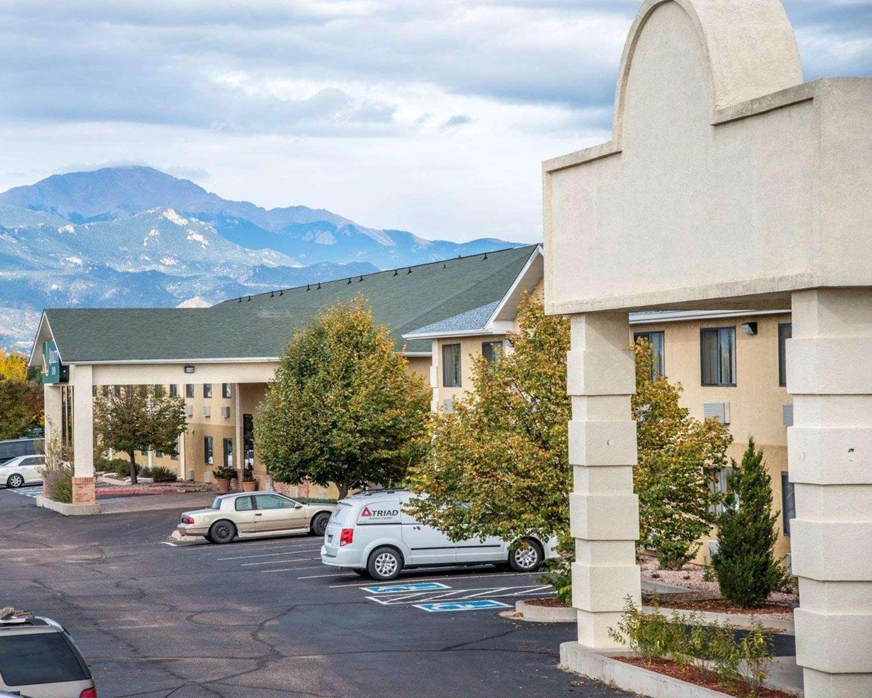 Exterior view - Quality Inn Airport Colorado Springs