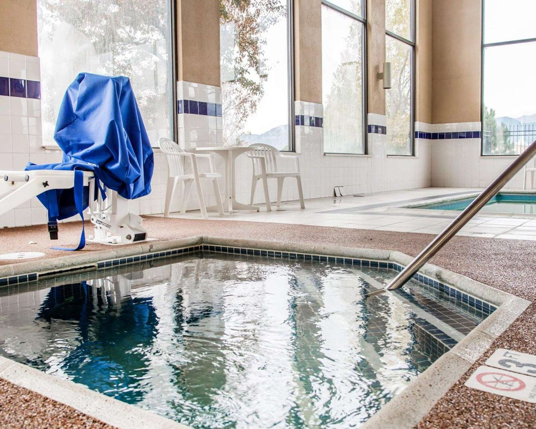 Pool - Quality Inn Airport Colorado Springs