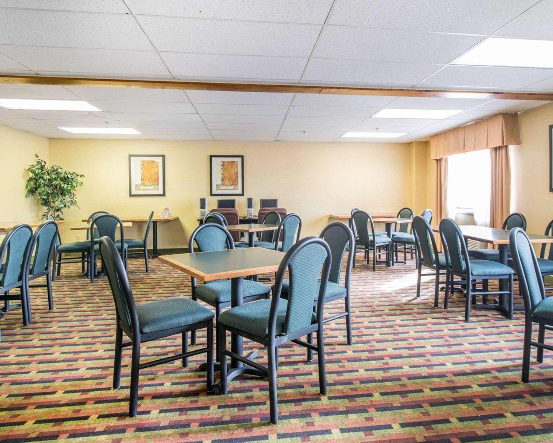 Restaurant - Quality Inn Airport Colorado Springs