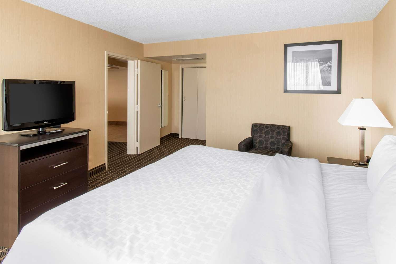 Suite - Clarion Hotel Central Denver