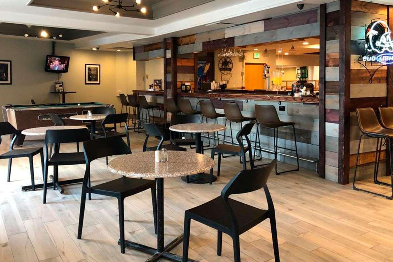Bar - Clarion Hotel Central Denver