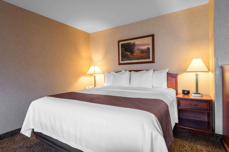 Suite - Quality Inn Burlington