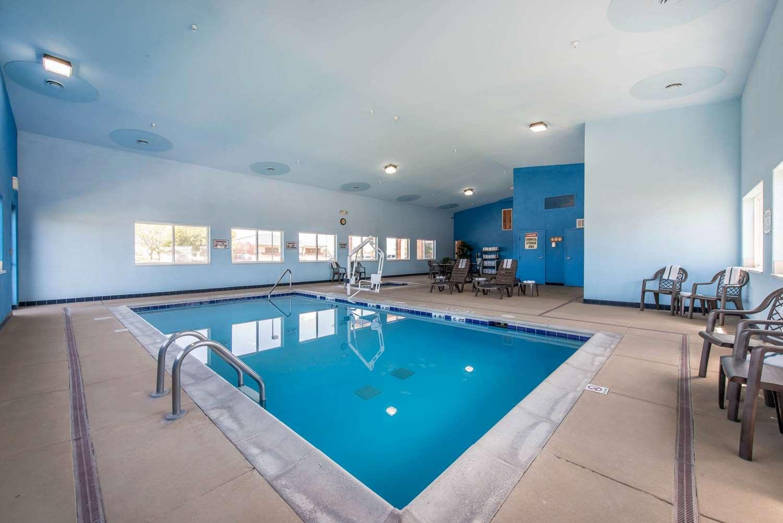Pool - Quality Inn Burlington
