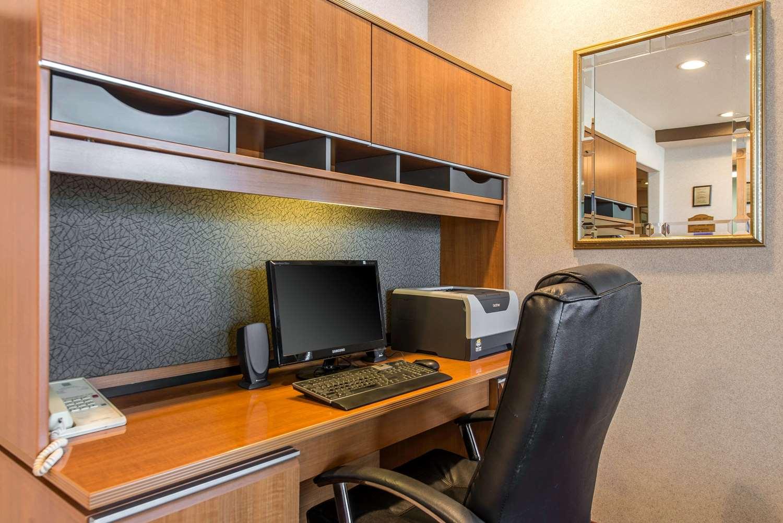 Conference Area - Quality Inn Burlington