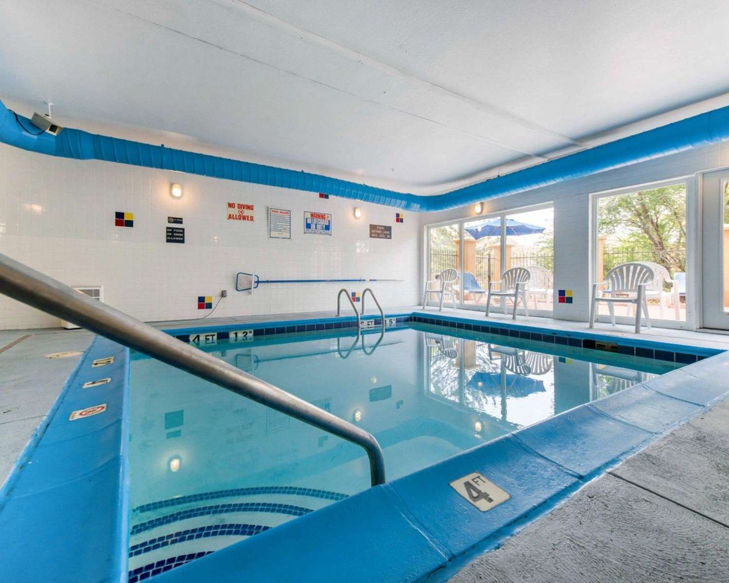 Pool - Comfort Inn North Colorado Springs