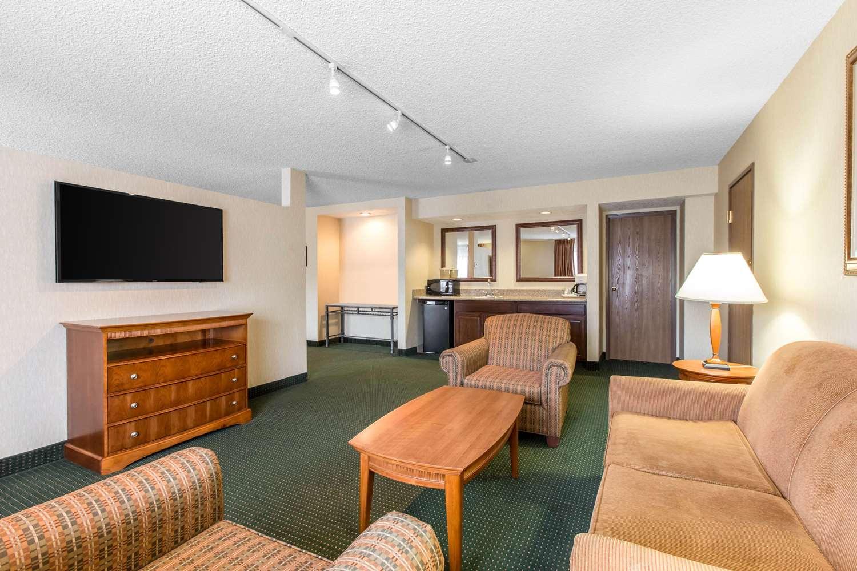 Suite - Comfort Inn Avon