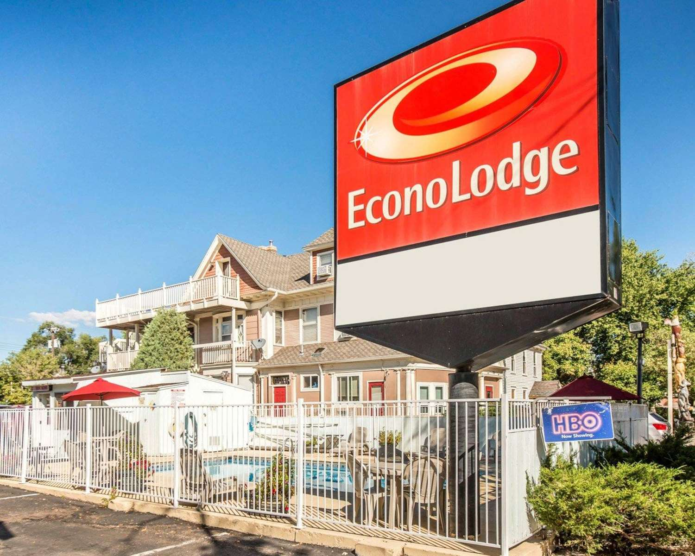 Exterior view - Econo Lodge Downtown Colorado Springs