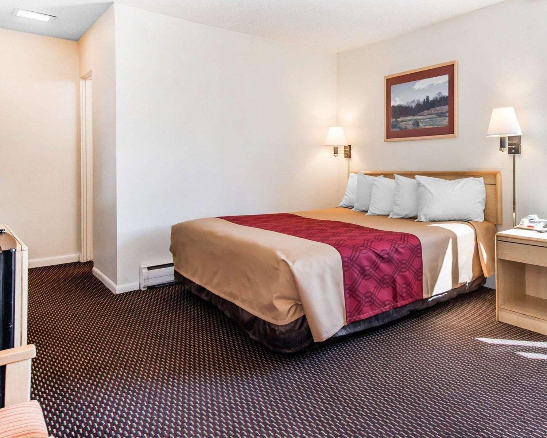 Room - Econo Lodge Downtown Colorado Springs