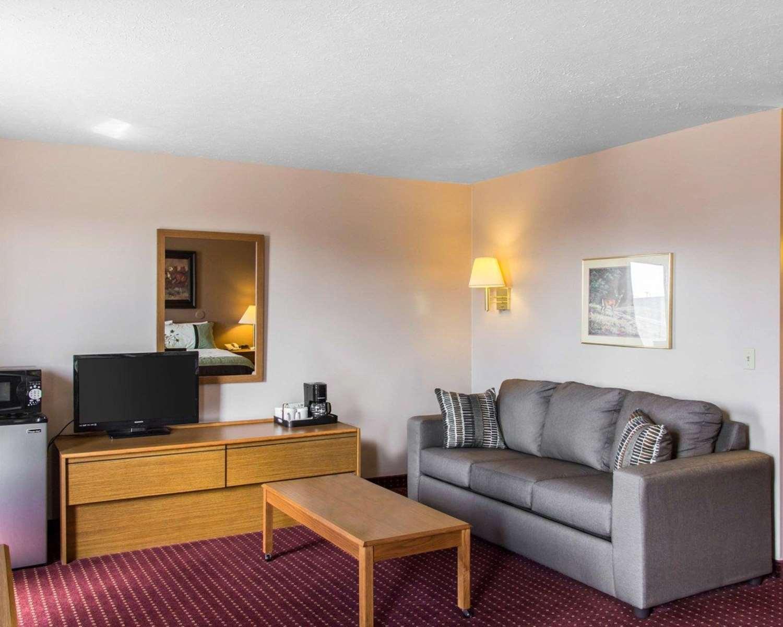 Suite - Econo Lodge Limon