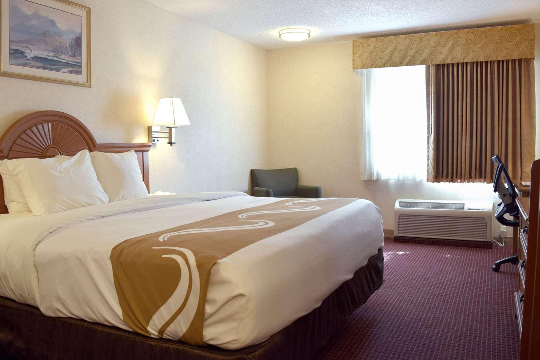 Room - Quality Inn Louisville