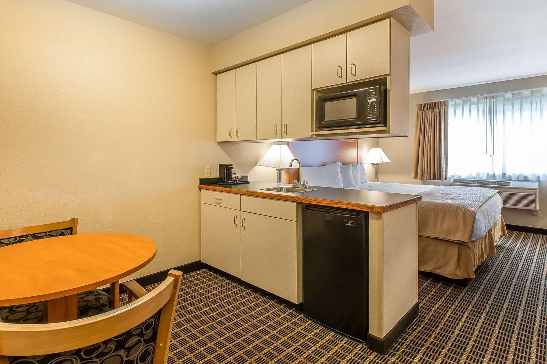 Suite - Quality Inn & Suites Glenwood Springs