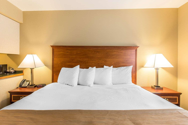 Room - Quality Inn & Suites Glenwood Springs