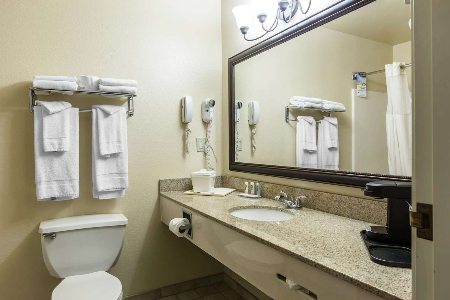 Room - Quality Inn & Suites Silverthorne