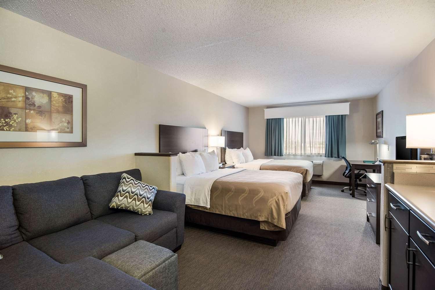 Room - Quality Inn & Suites Pueblo West