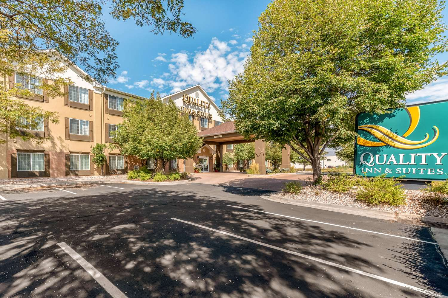Exterior view - Quality Inn & Suites Fort Collins