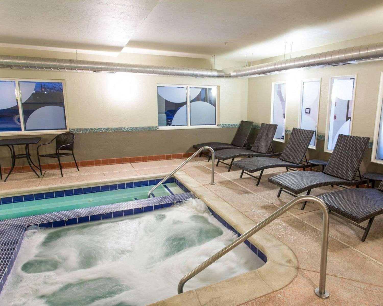 Pool - Comfort Inn Fort Morgan