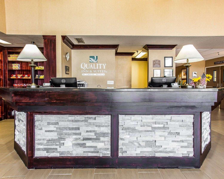 Lobby - Quality Inn & Suites Denver Airport Aurora