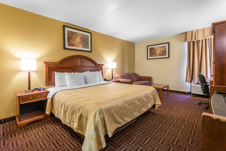 Room - Quality Inn South Colorado Springs South