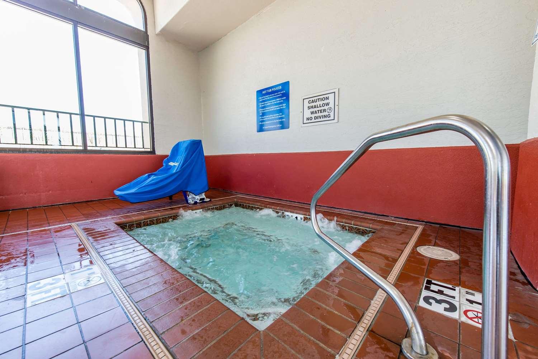 Pool - Quality Inn South Colorado Springs South