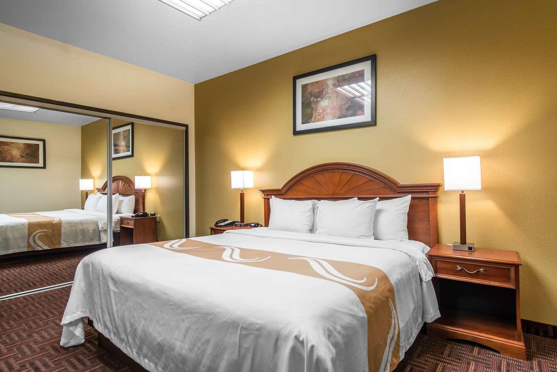 Suite - Quality Inn South Colorado Springs South